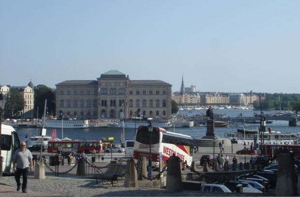 Stockholm, Nationalmuseum, Blick über Hafen, Reisebusse