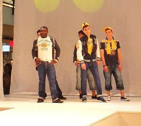 QUARREE GESICHTER 2014 - Die Frühjahrsmodenschauen - Show IV - Outfit Camp David
