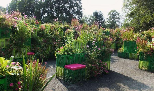 IGS, Hamburg - September 2013 - Garten der Symbolik: Beziehungskisten