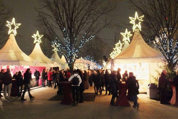 Hamburg - Weihnachtsmarkt am Jungfernstieg