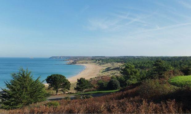 Bretagne - Der Norden - Smaragdküste mit Blick auf Cap Fréhel (im Hintergrund)