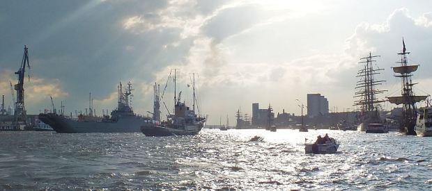 Hamburg - Mai 2015  - 826. Hafengeburtstag - Einlaufparade