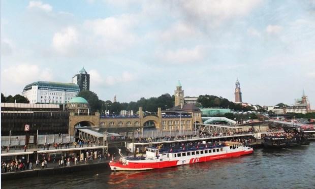 Hamburg - Cruise Days 2015 - Hafen Hamburg, Landungsbrücken, Eingang alter Elbtunnel ...