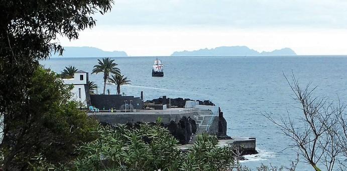 Madeira - Südküste - Die Santa Maria de Colombo ist unterwegs ....